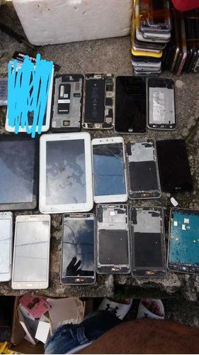 mais de 50 celulares *dando sinal de vida*