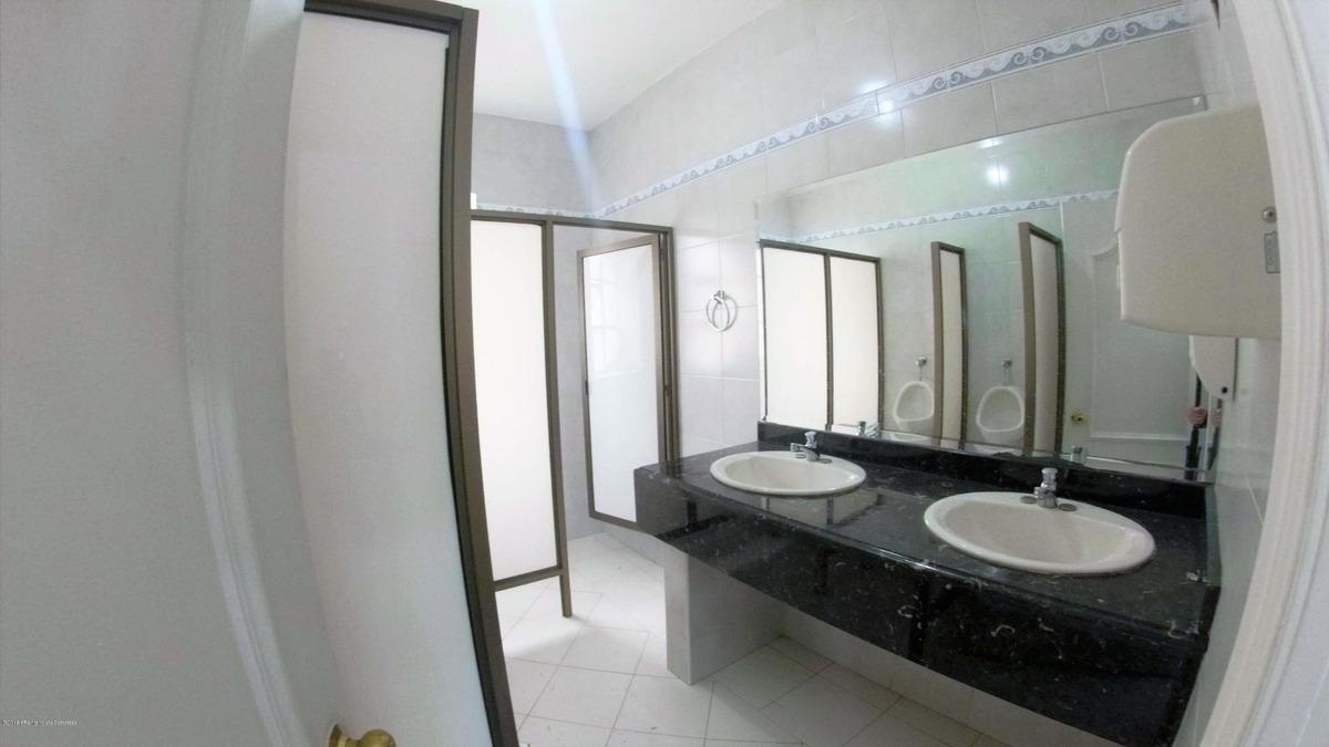 majestuosa casa en venta nogal mls 20-446