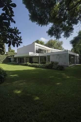 majestuosa residencia en venta en paseo de las palmas