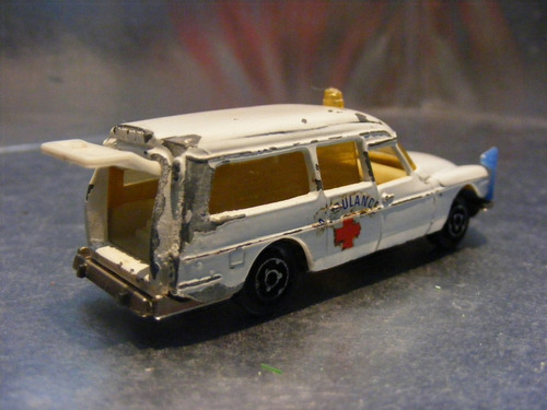 majorette - ds 21 ambulance   m.i. france