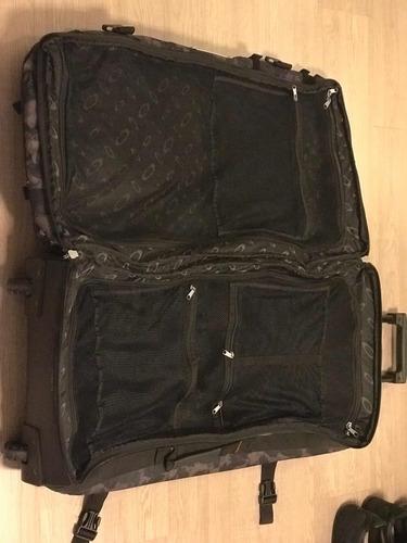 mala de viagem oakley large roller rodas, camuflada original