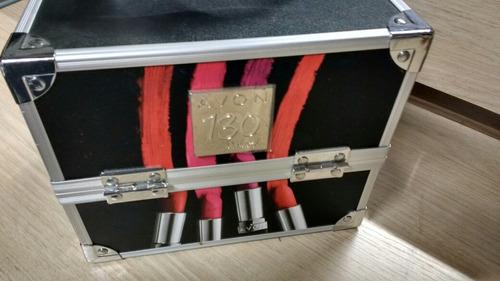 maleta de maquiagem avon, com produtos dentro 150,00