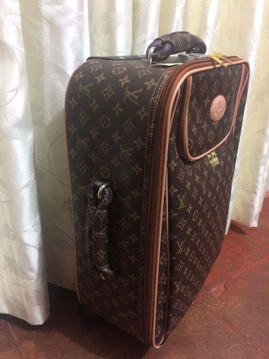 c62445fb2 Maleta De Viaje Louis Vuitton - S/ 1.500,00 en Mercado Libre
