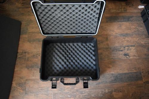 maleta estuche profesional rigido premeable  multiusos