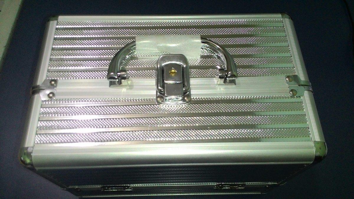 c4bb8220e Maleta Frasqueira De Aluminio Com Chave Retratil Maquiagens, - R$ 94 ...