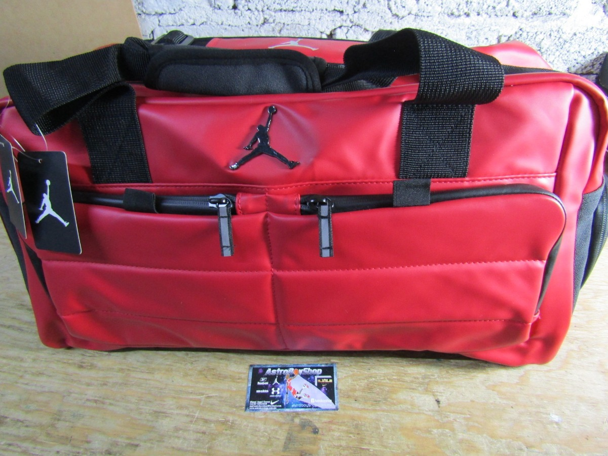 cc2d60b32f9a48 maleta jordan duffle all world gym red bright ropa y tenis. Cargando zoom.