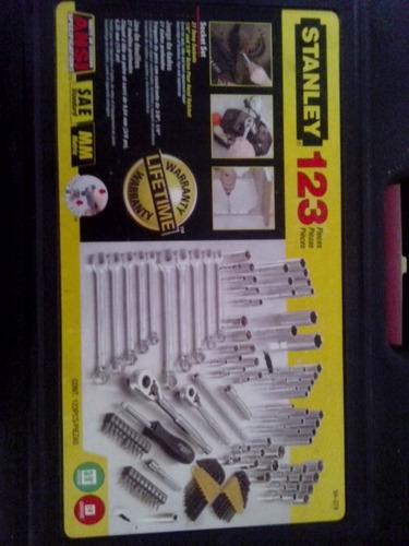 maletin de llaves stanley 123 piezas