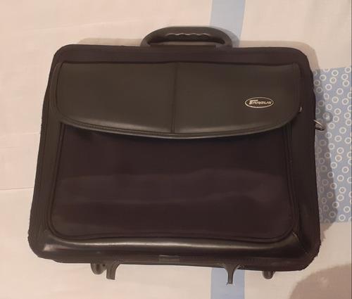 maletín ejecutivo marca targus para viajes