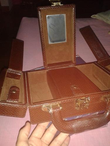 maletin necesser, portacosmeticos de mano oleg cassini