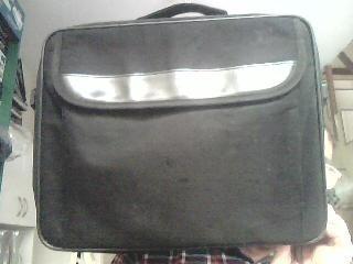 maletín portalaptop color negro