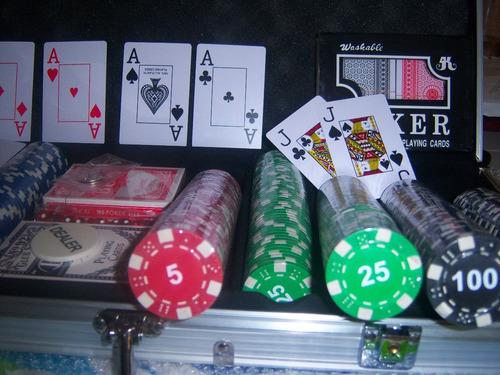 maletin profesional poker 500 fichas 11.8gr+3 naipes 5 dados