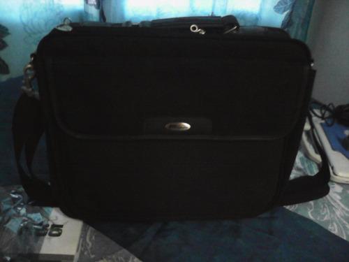 maletín targus para laptop