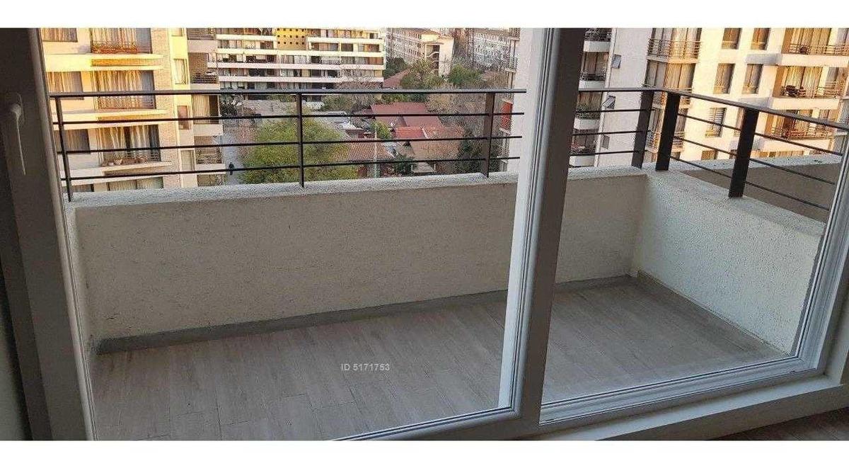 mall / metros / av. josé p alessandri / suárez mujica 2909