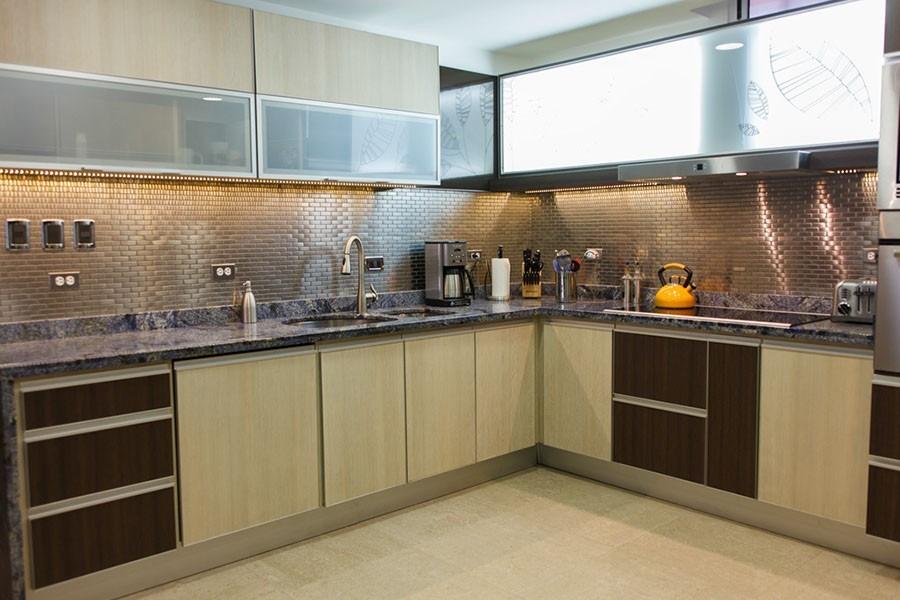 Malla de acero inoxidable para cocinas integrales 80 for Revestimientos para cocinas modernas argentina