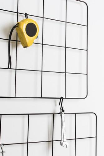 malla metálica grilla parrilla alambre organiza pared negra