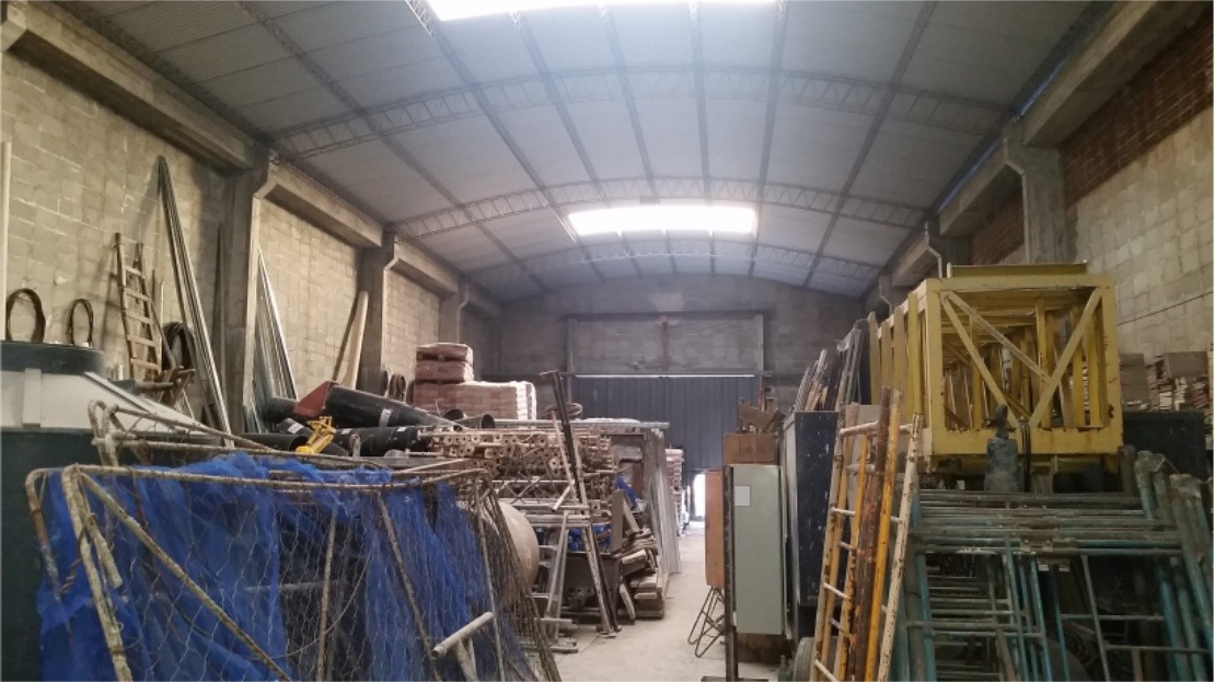 malvín -- galpón de 700 m2 techados excelente estado