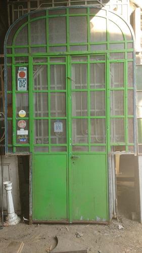 mampara antigua puerta hierro