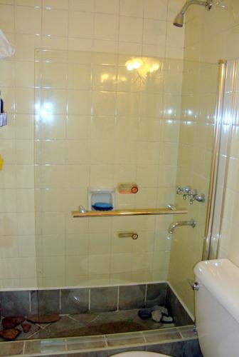 mampara para bañera 90x140 vidrio rebatible o fija, naffull