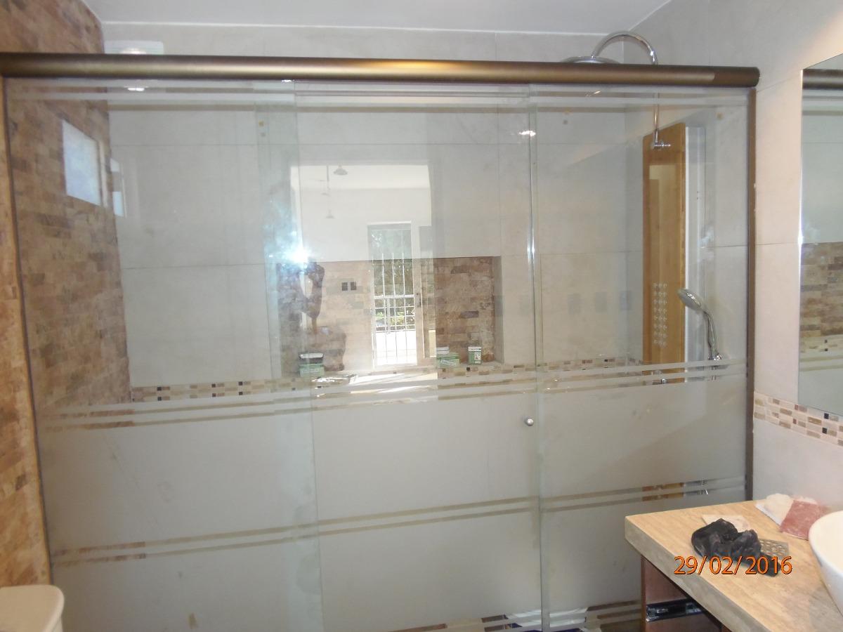 Mamparas de ba o en acrilico y cristal colocaciones 5 for Mamparas de bano de acrilico