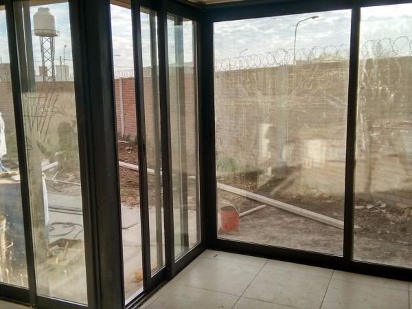Mamparas y ventanas de vidrio puertas de duchas espejos for Espejo ducha