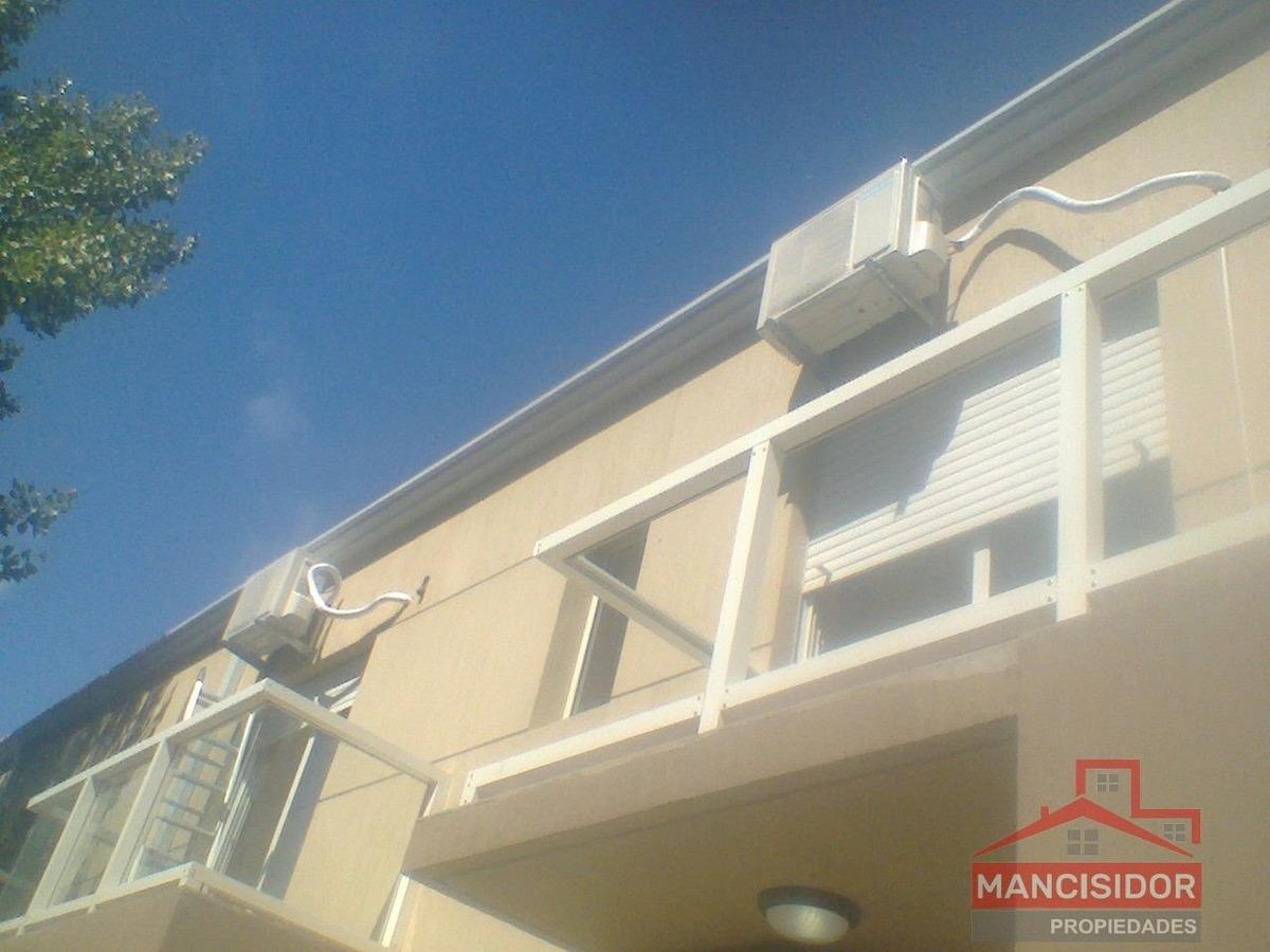 mancisidor propiedades vende: amplios duplex en barrio las dunas !