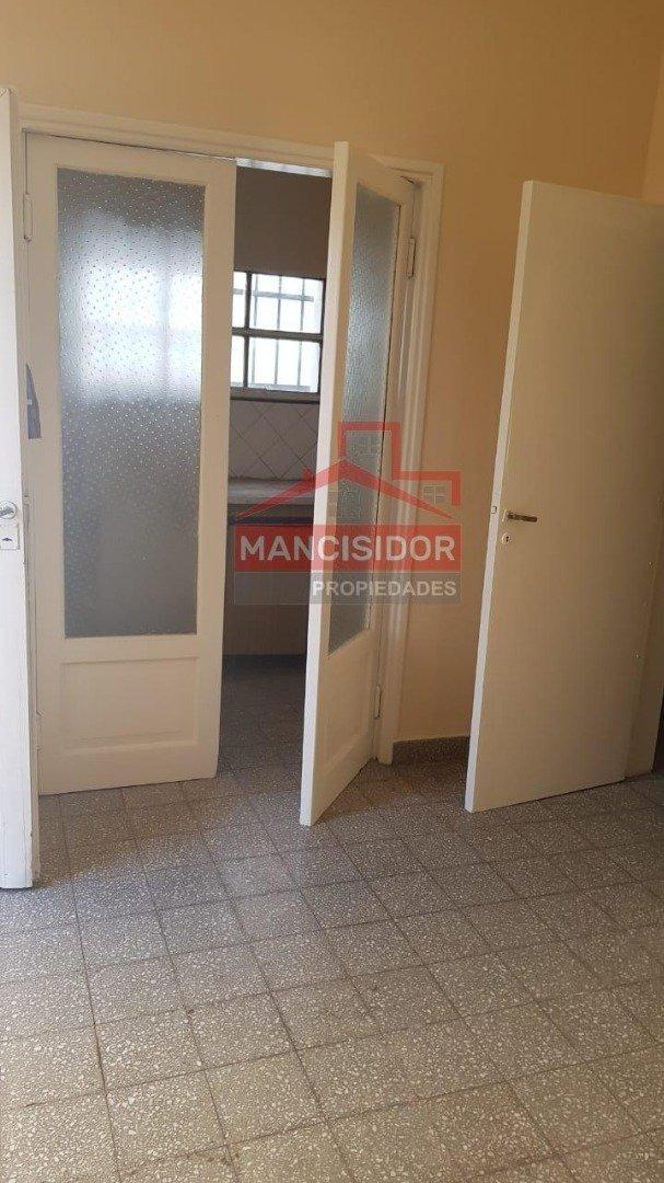 mancisidor propiedades vende: casa 2 dorm - v. mitre
