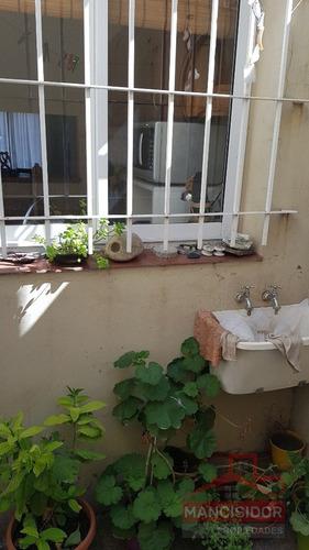 mancisidor propiedades vende: hermoso dúplex  en barrio santa margarita