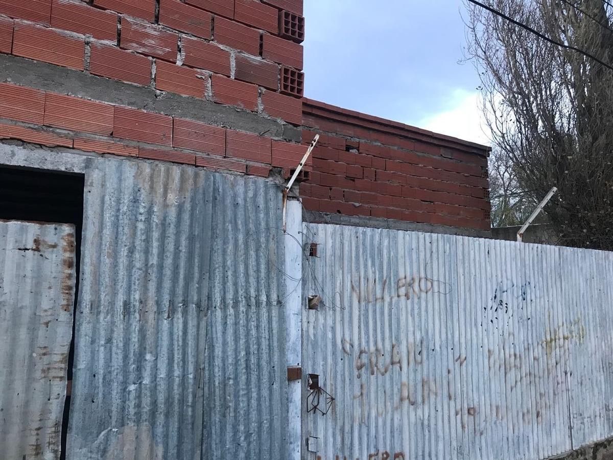 mancisidor propiedades vende: lote con mejoras - casa a terminar - rincon 3400