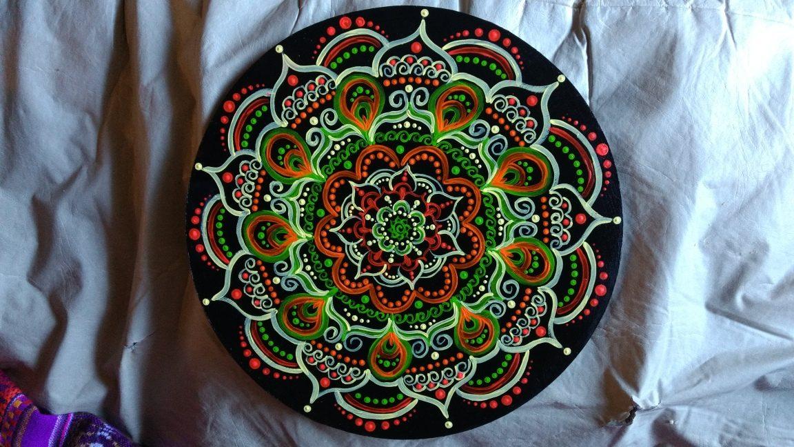 Mandalas Pintados A Mano En Madera 30cm 35000 en Mercado Libre