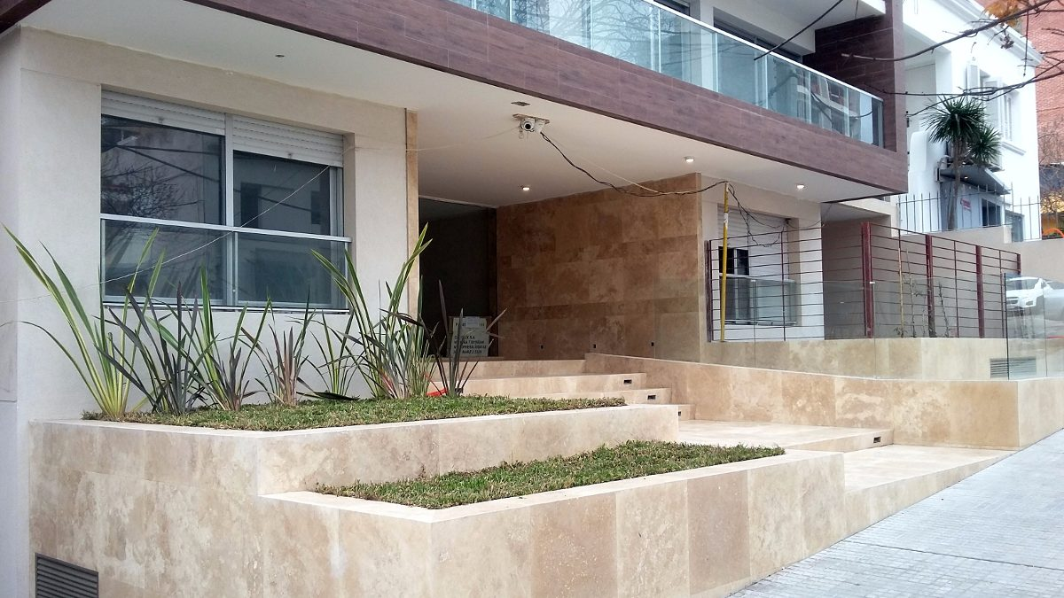 mandalay monoambiente c/patio y parrillero pocitos nuevo
