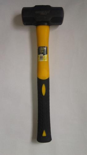 mandarria  marca cobra  de 3 libras o 1.5 kg mango de fibra