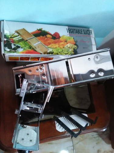 mandolina profesional para cocina  en acero inxidable