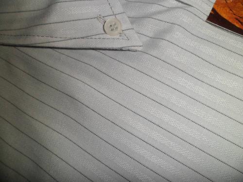 manga larga. camisa