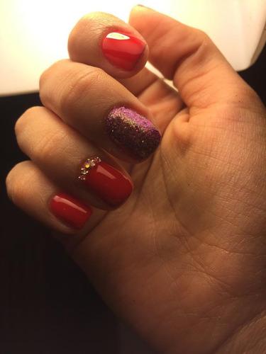 manicure con esmaltado permanente