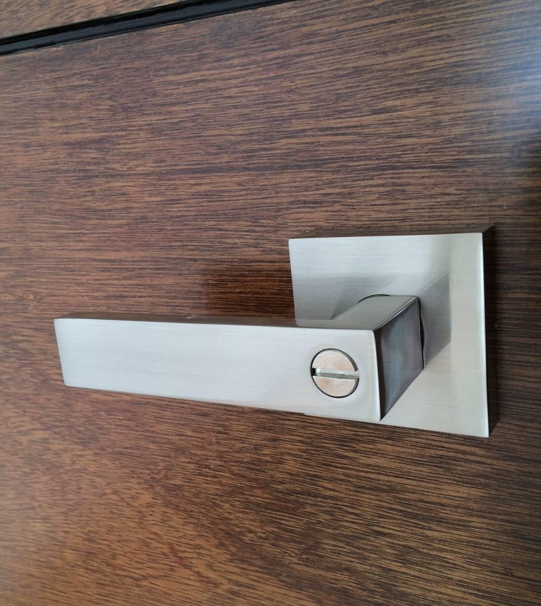 Manija o chapa para puerta de recamara y ba o resistente for Manijas para puertas de madera