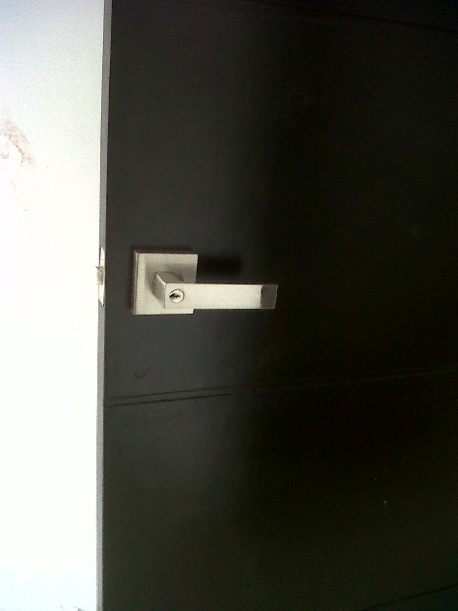 Manija o chapa para puerta de recamara y ba o resistente for Puerta para bano interior
