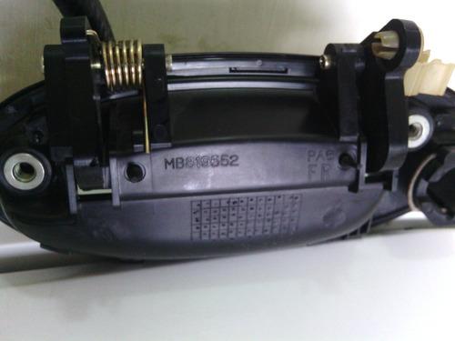 manilla de puerta del mitsubishi lancer derecha original 92