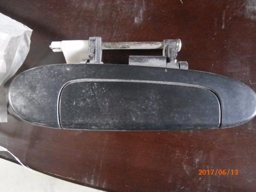 manilla exterior trasera rh yaris 2000
