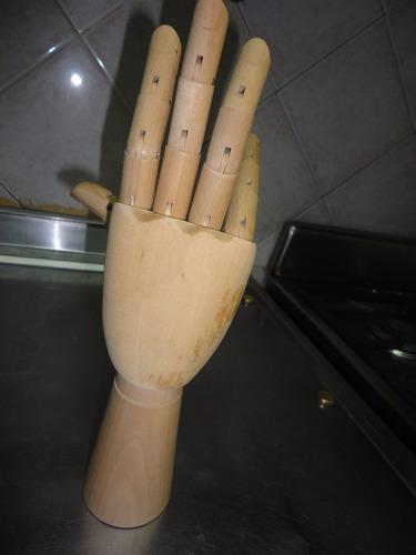 mano articulada en madera.  liquido!!!!!!!!