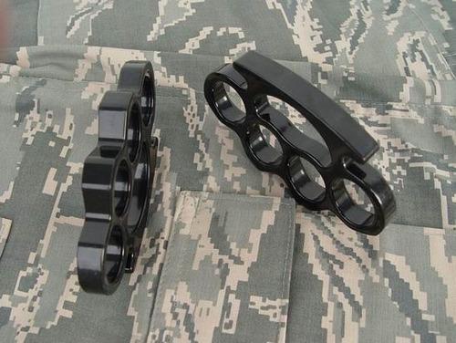 manopla acero robusta gruesa militaria defensa seguridad
