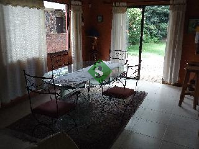 mansa, 4 dormitorio, 3 baños, 675m2 de tierra.- ref: 44176