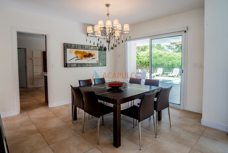 mansa lujosa residencia en barrio privado-ref:2537