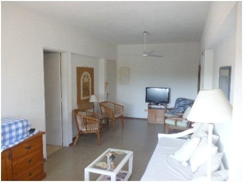 mansa, parada 14, 2 dormitorio 2 baños ref  1039