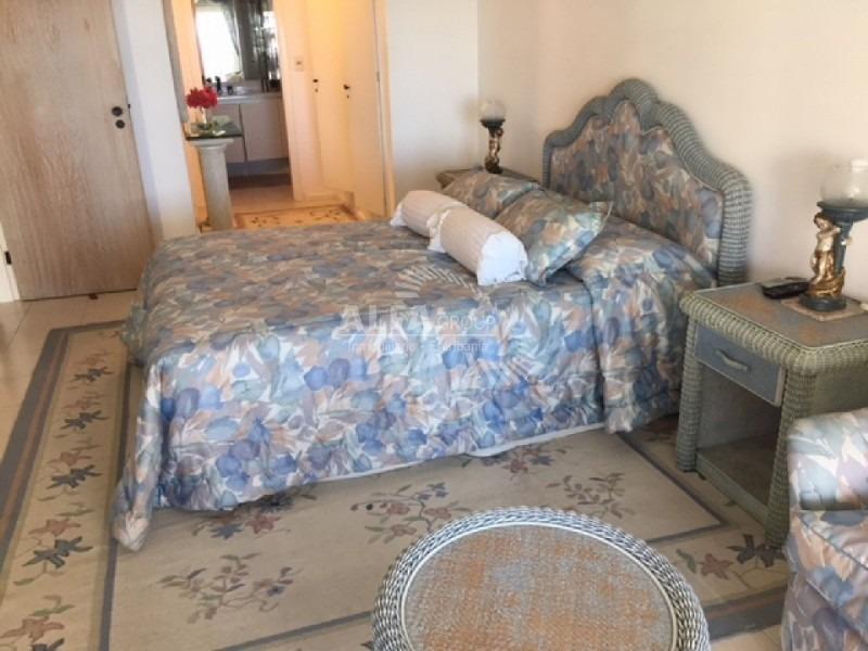 mansa, primera linea, 2 dormitorios y medio- ref: 2648