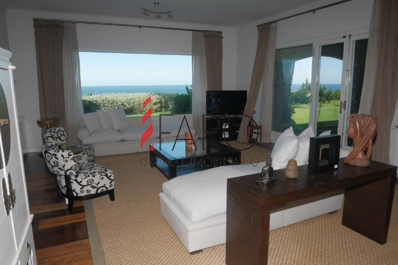 mansión en pinares 8 dormitorios piscina garage-ref:33713