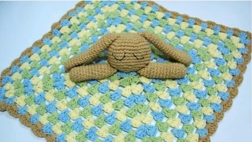 Manta De Apego Conejito Para Bebés A Crochet - $ 300,00 en Mercado Libre