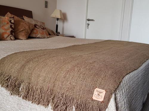 manta de lana de oveja color verde musgo