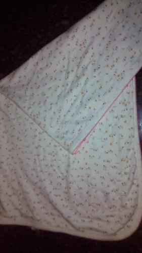 manta o cobija de niña. marca bbmio. 100% algodon . usado