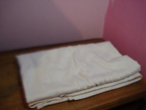 mantel cuadrado grueso algodon 1.86cms largo y 1.40cms ancho