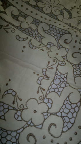 mantel de hilo bordado a mano